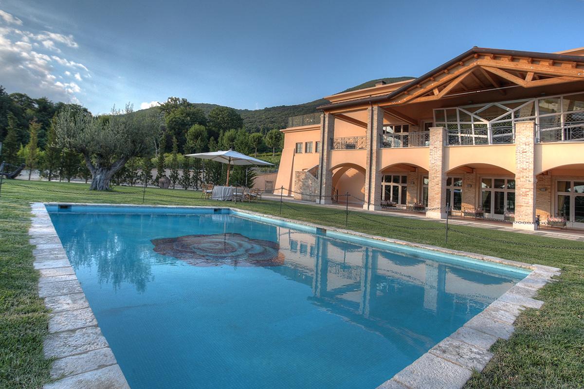 tenuta la tacita villa con piscina per matrimoni