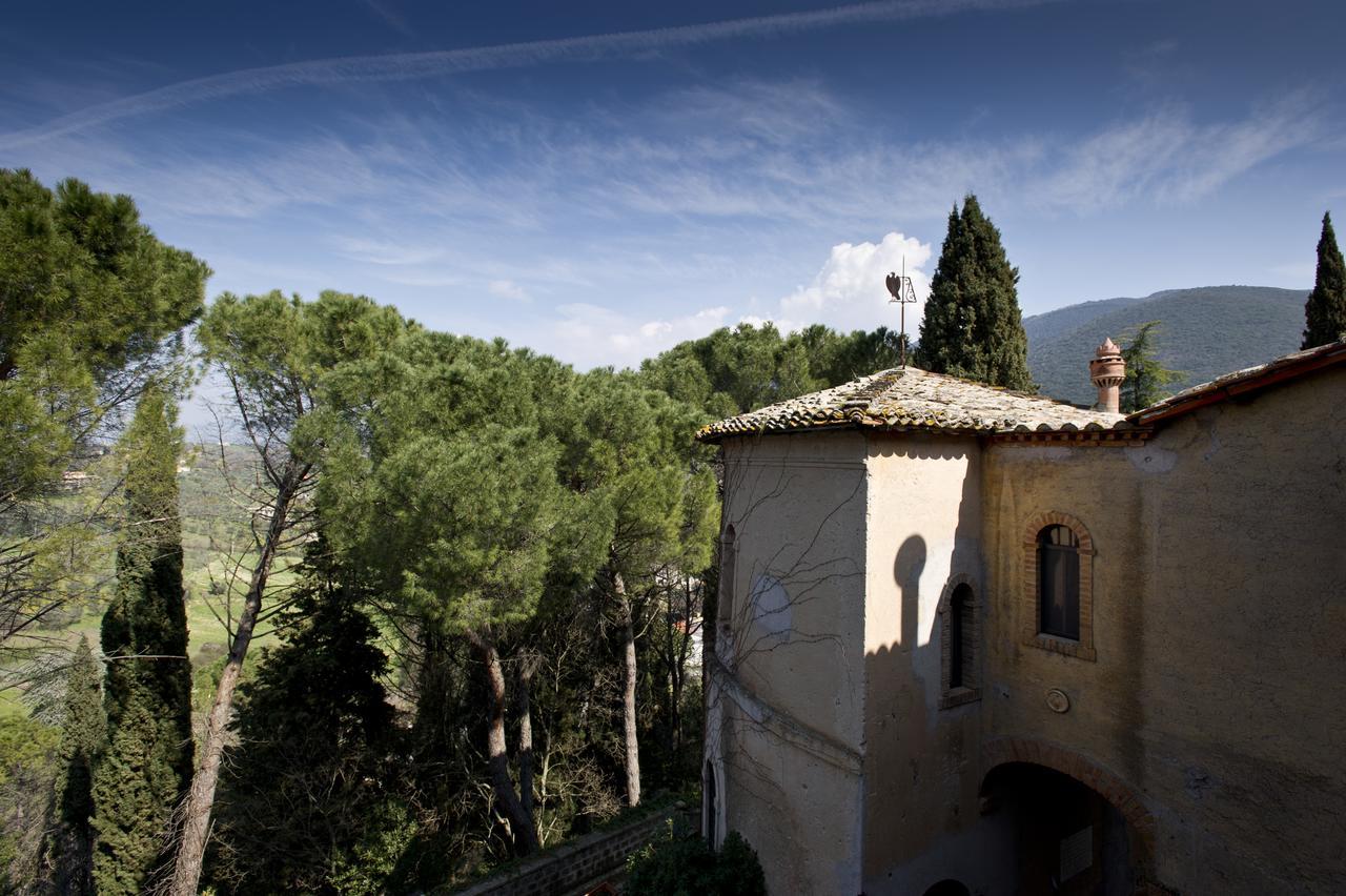 Casserai spicca Palazzo Forani